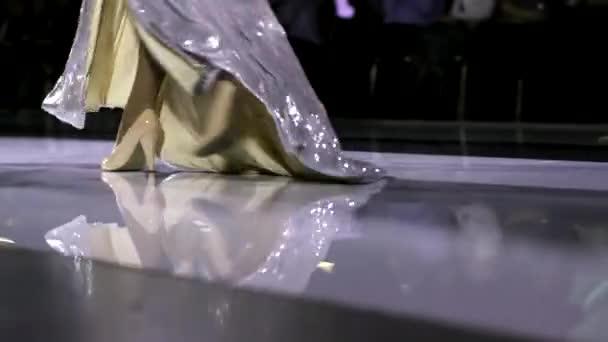 Leg beauty girl slowmotion show fashion week walk high heels catwalk closeup 4K