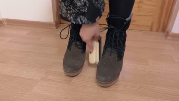 Žena čistý klín boty