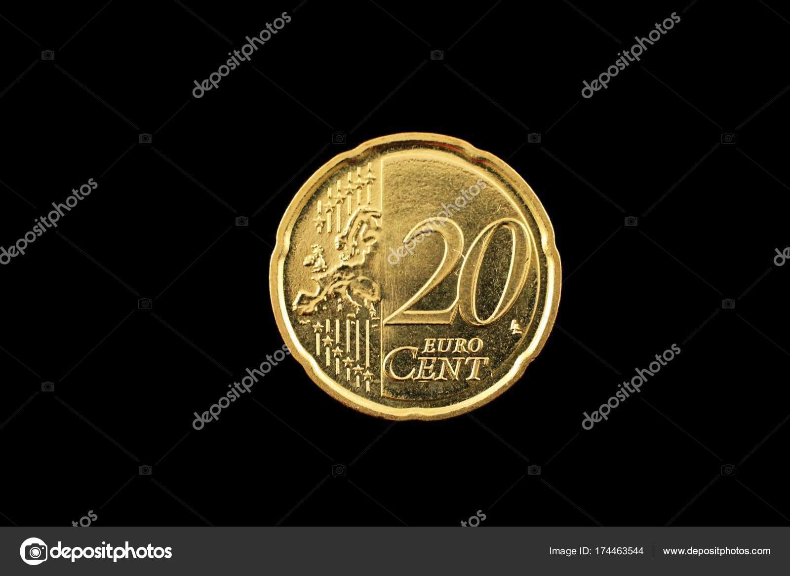 Ein 20 Euro Cent Münze Auf Schwarz Stockfoto Vitoriaholdingsllc