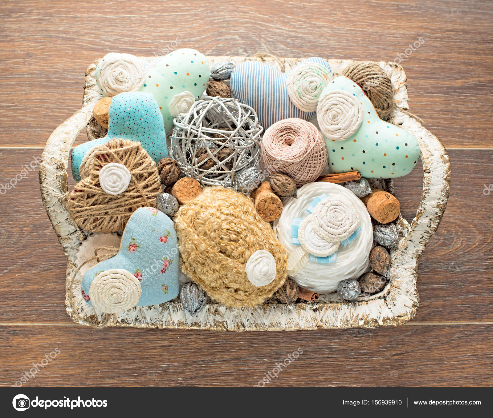 Basket for needlework 7