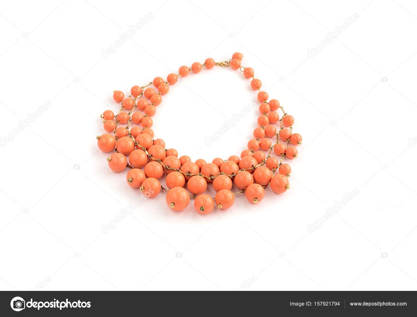 5cb64eeb6684 Collar de moda para mujeres jóvenes — Foto de stock © Evrojey  157921794