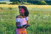 Fotografie afrikanische amerikanische Frau auf Holi-fest