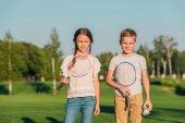 Fotografie děti s Badmintonové vybavení