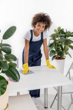 cleaner wiping table
