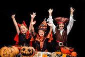 halloween ördög, a boszorkány és a kalóz