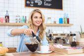Barista szakadó kávé