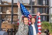 Fotografie militärische Vater und Sohn mit Usa-Flagge