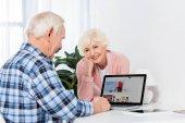 látszó-nél használ a laptop otthon ebay logóval férje magas rangú nő portréja