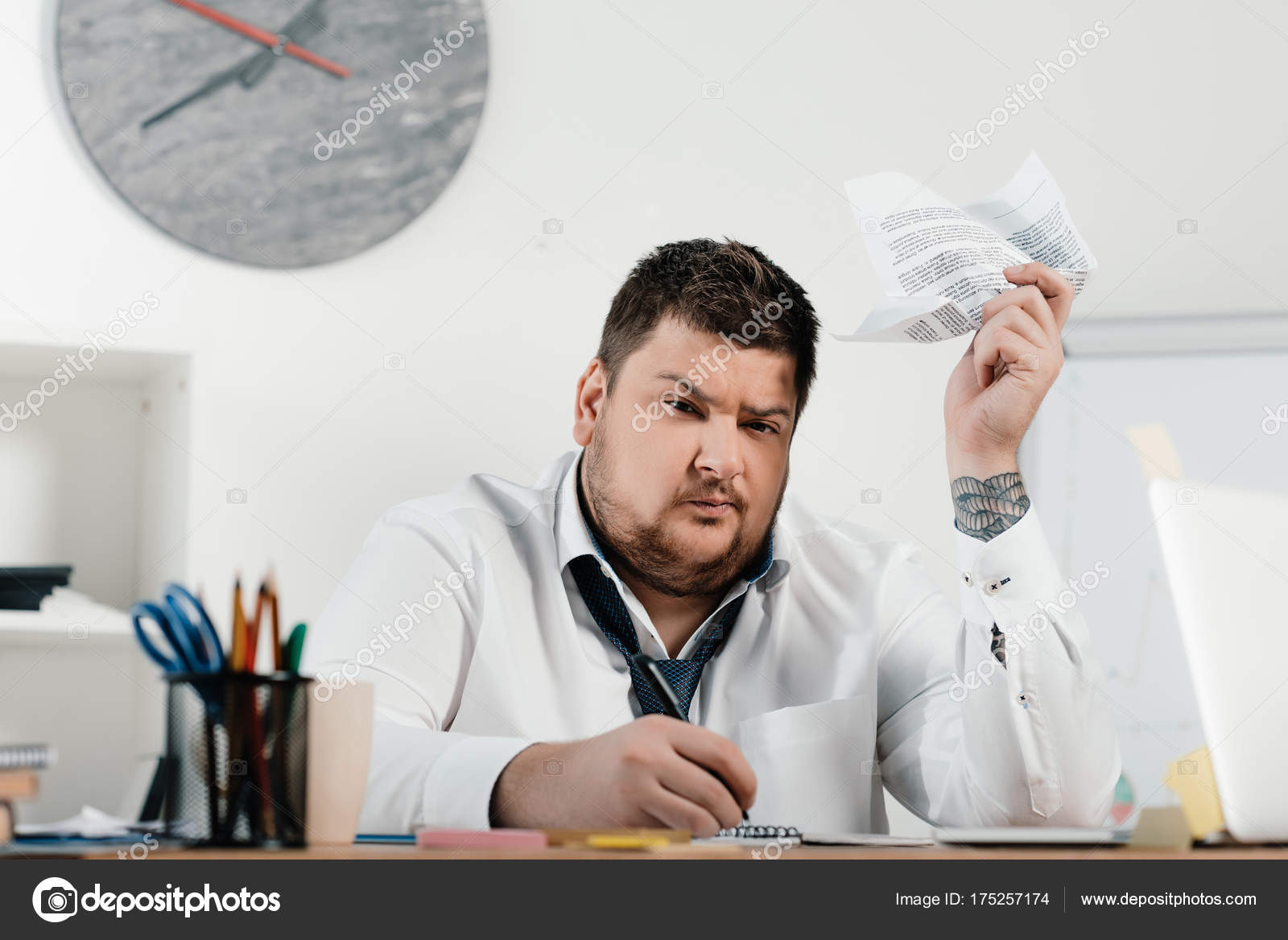 Foto Lavoro Ufficio : Uomo lavoro d ufficio rm clip in hd framepool