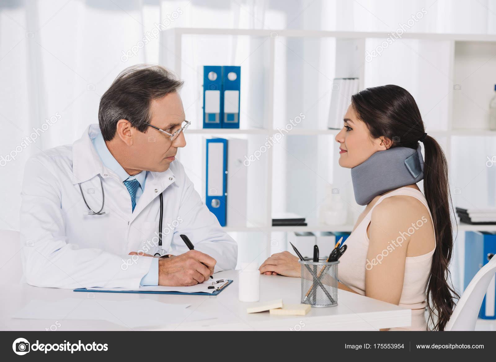 Доктор с русской пациенткой