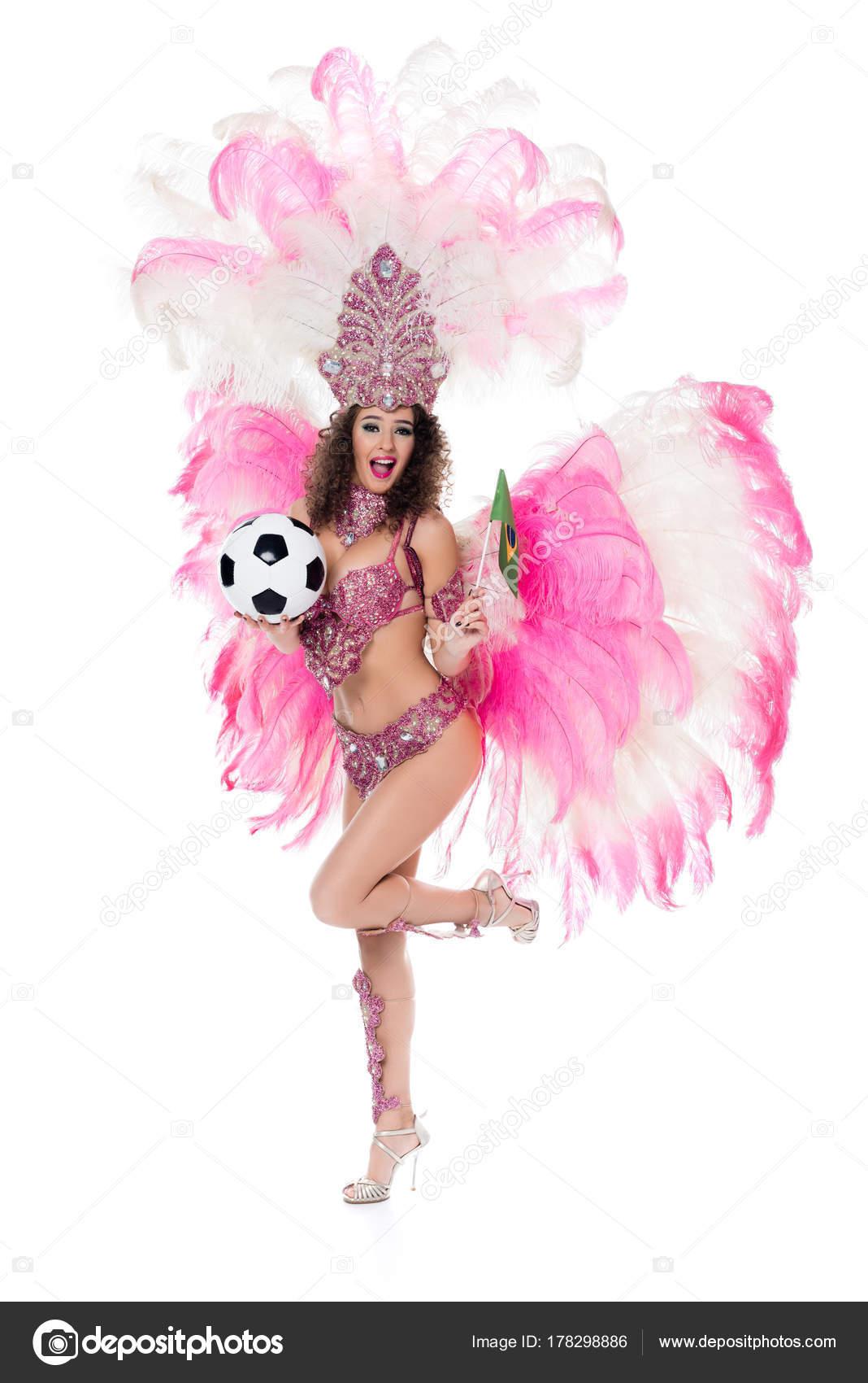 47b479e76 Sorrindo Mulher Com Fantasia Carnaval Segurando Bola Futebol ...