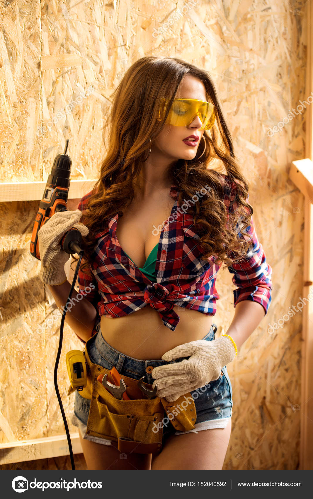 sext-nude-with-tool-belt