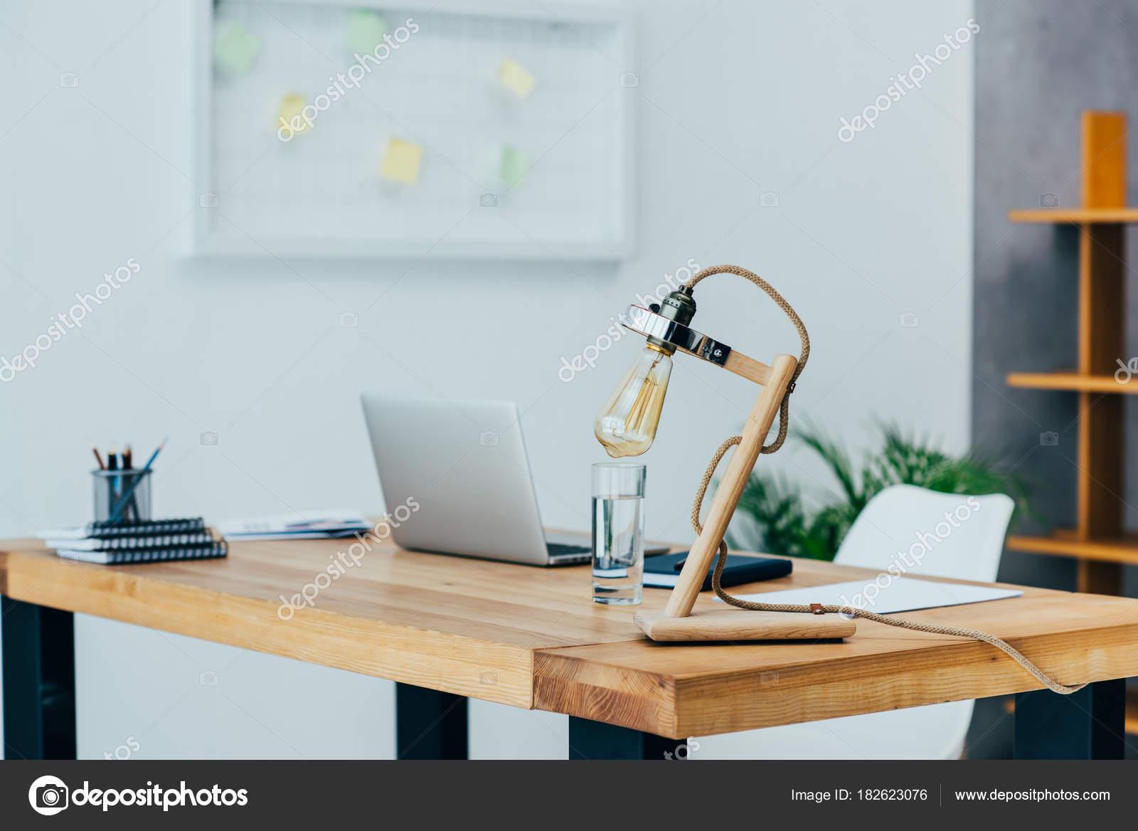 Intérieur bureau style moderne design loft u photographie