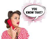 Porträt von Pin-up Frau am alten Telefon mit Comic-Stil, Sie wissen, dass? Sprechblase isoliert auf weiss
