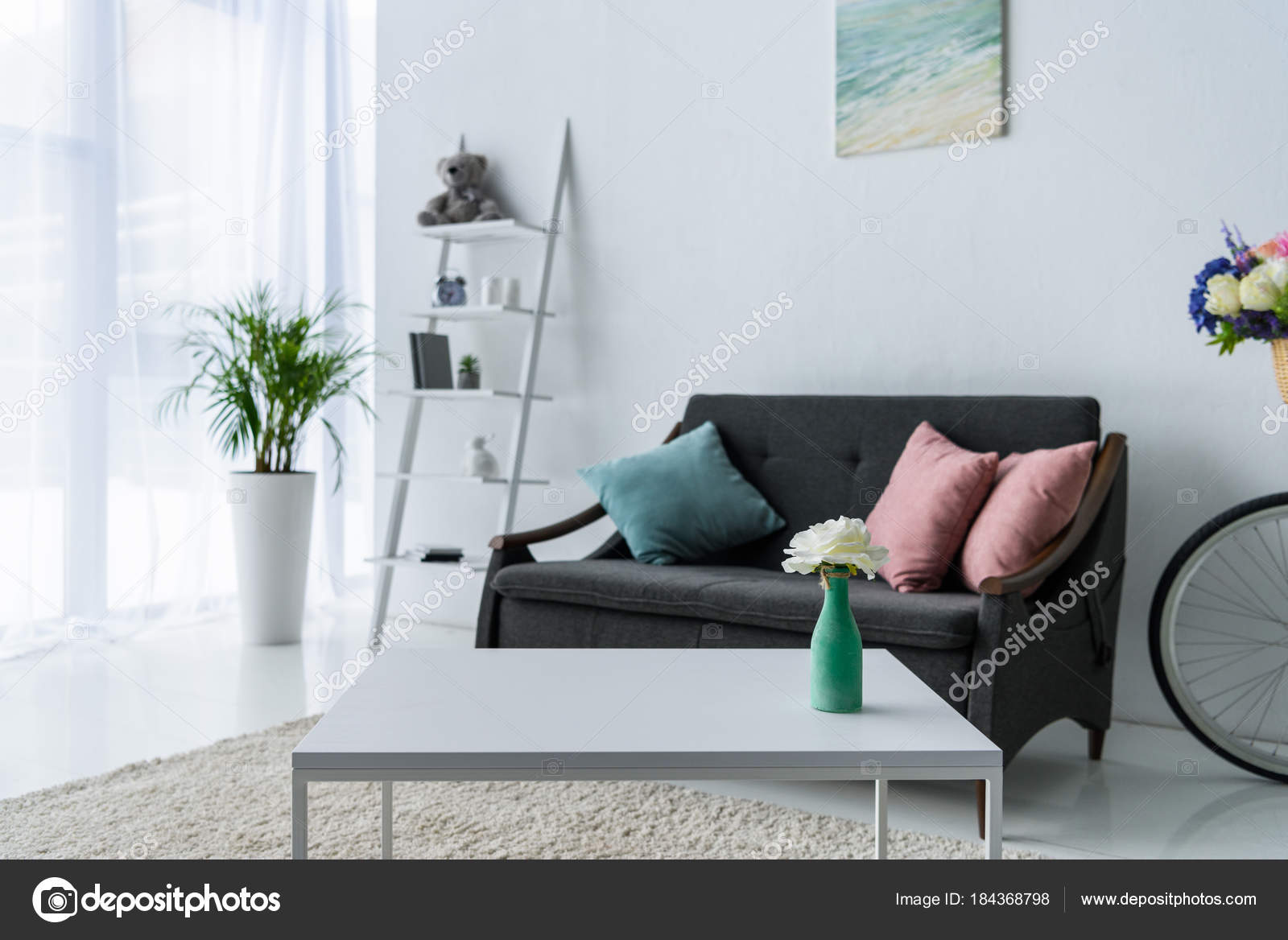 View Stylish Living Room Coffee Table Green Plant Sofa U2014 Stock Photo