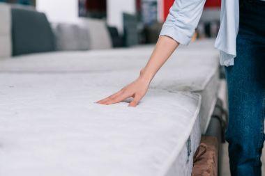 touching orthopedic mattress