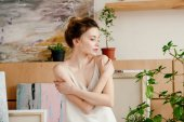 Fényképek gyönyörű pályázat fiatal nő keres el művészeti stúdió