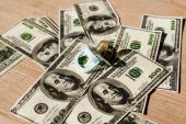 dětská bradavka na dolarových bankovkách, koncept výživného