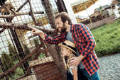 Fotografie otec a dcera v zoo