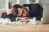 alvó üzletember