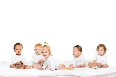 multicultural toddlers with smartphones