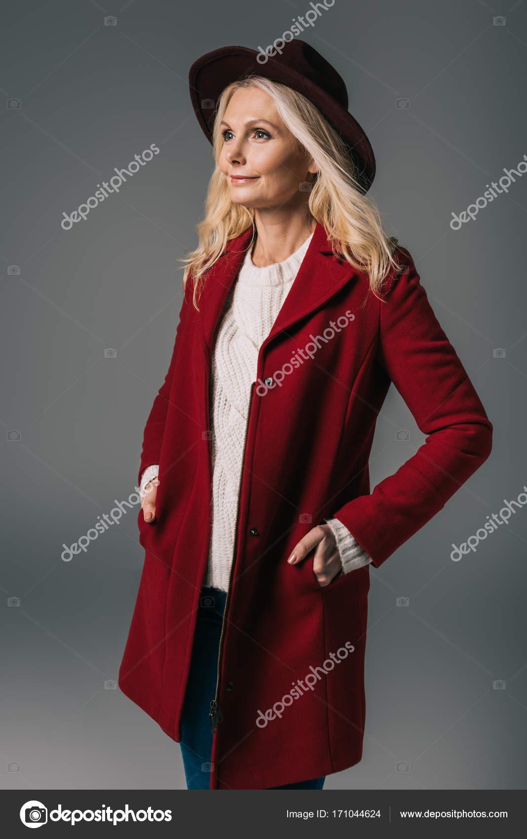 Die frau im roten mantel