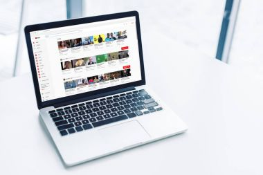laptop with youtube website