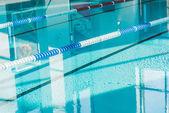 Fotografia moderna piscina al centro benessere