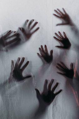 insan eli dokunmak bulanık korkunç siluetleri buzlu cam