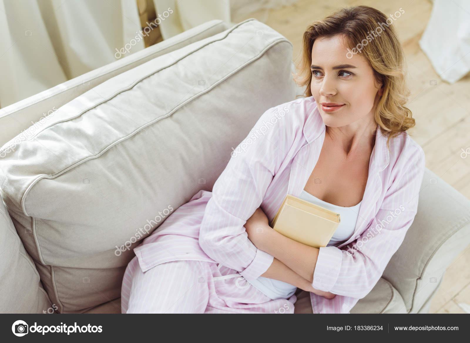 Блондинки в пижаме фото — 12