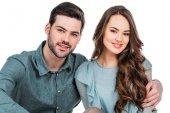 mosolyogva néztem kamera elszigetelt fehér fiatal pár
