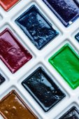 Fényképek Közeli Nézd meg a színes festék műanyag fehér doboz