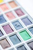 Fényképek Településen színes festék műanyag fehér doboz