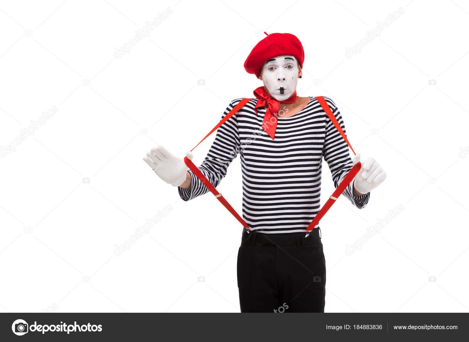 白で隔離赤いサスペンダーでショックを受けた mime ストック写真