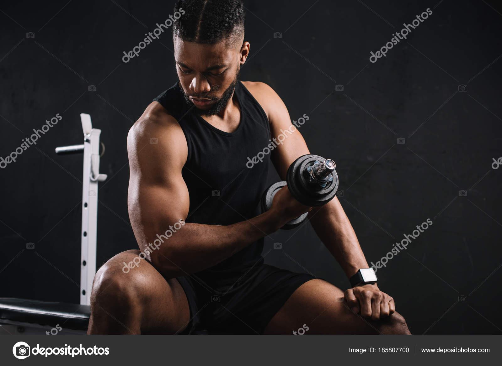 Junge Afrikanische Amerikanische Sportler Mit Hantel