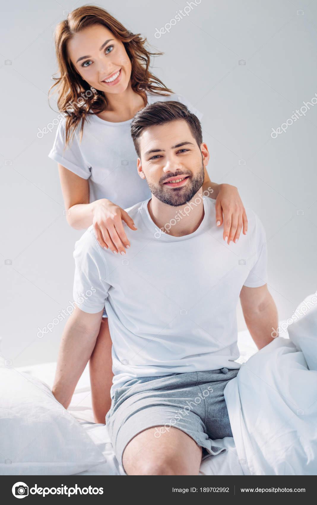 Женские парень ласкает красивую женщину порно оргазм смотреть