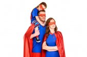 család, a szuperhős-maszkok és látszó-on fényképezőgép, elszigetelt fehér köpeny