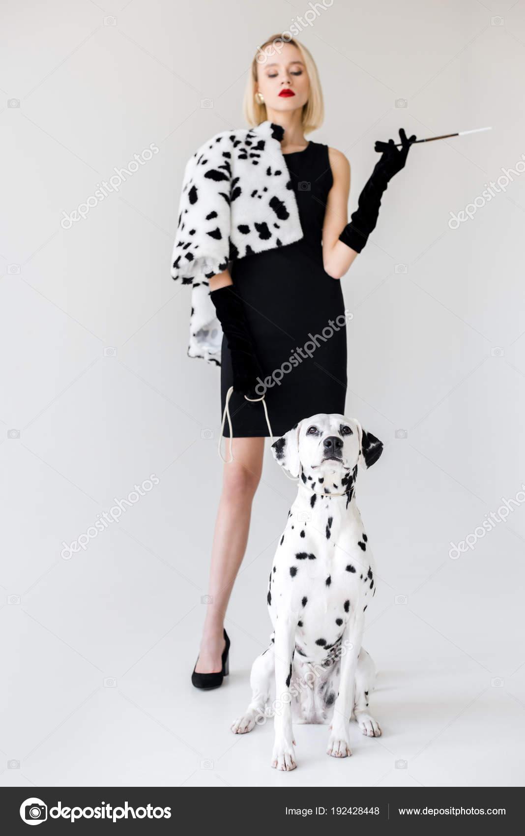 quantità limitata come trovare ampia scelta di colori Immagini: dalmata bianco   Attraente Donna Bionda Elegante ...