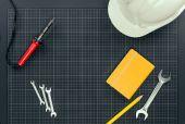 Strumenti di reparement su carta millimetrata