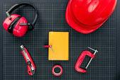 Taccuino e attrezzature da costruzione