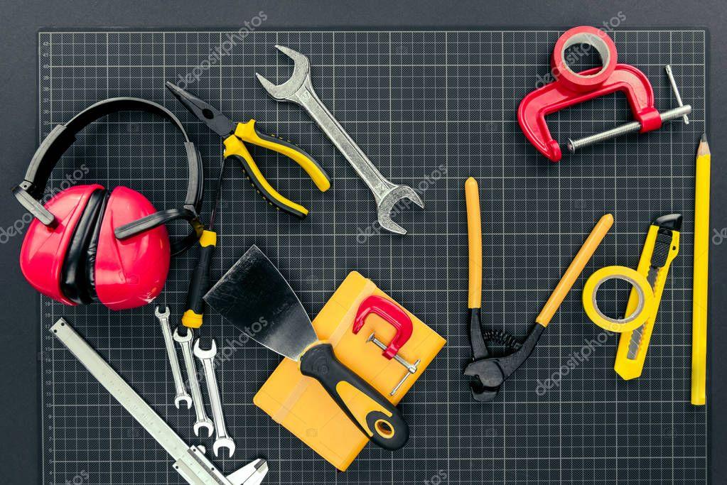 Reparement tools on graph paper