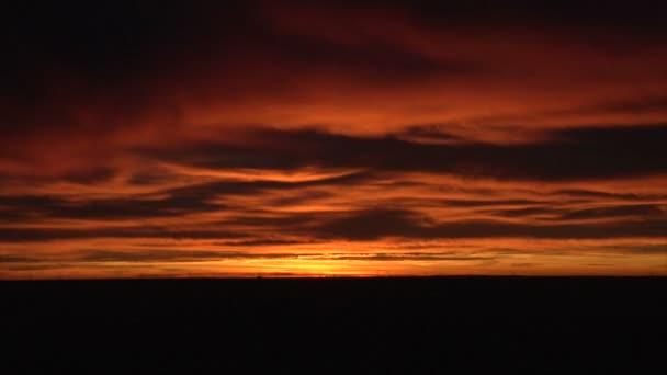 Západ slunce mezi mraky