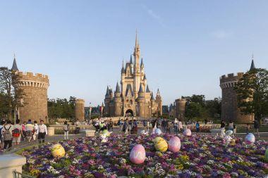 Tokyo Disneyland Cinderella castle