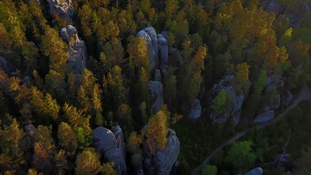 Krásný pískovcovými útesy v České republice