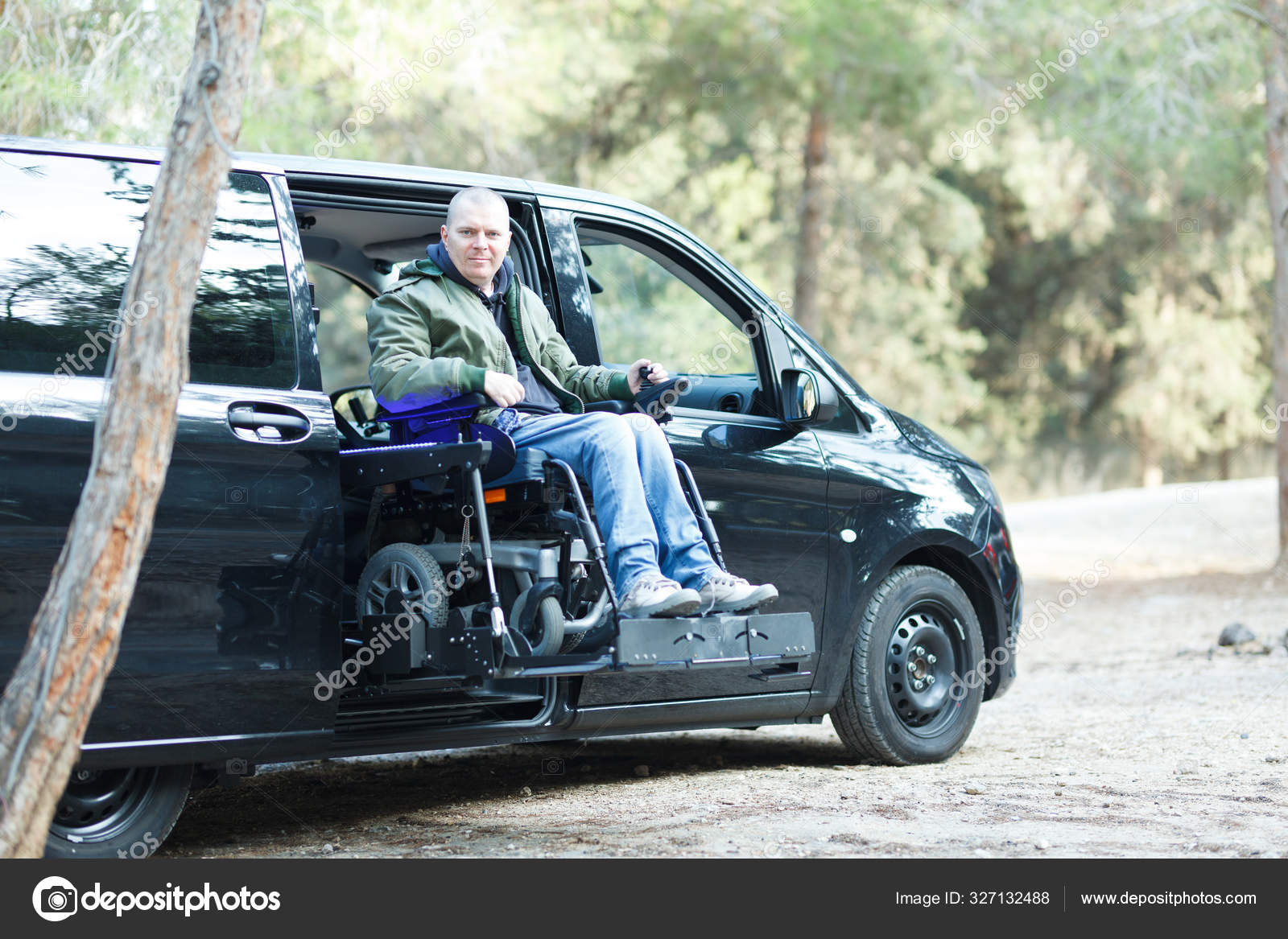Wheelchair Lift For Car >> Wheelchair Lift Van Stock Photos Illustrations And Vector