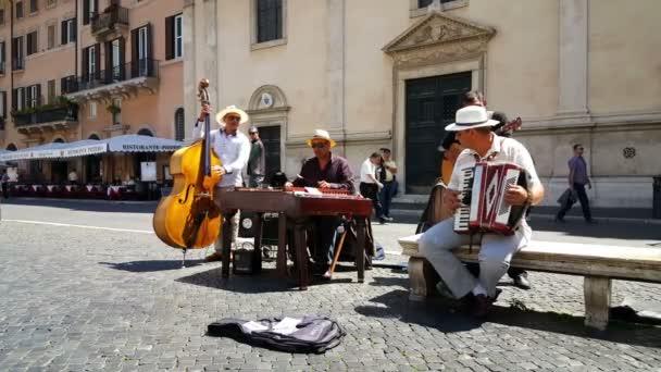 street musicians at Piazza Navona