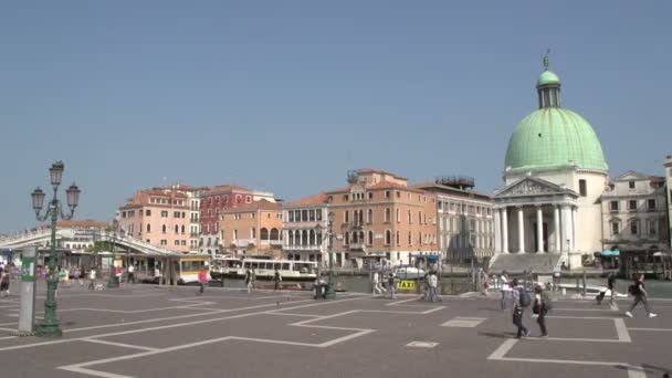 Time lapse of crowded square in Venice