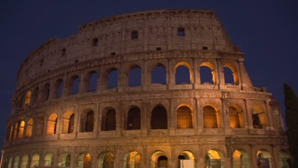Colosseum světla na večer