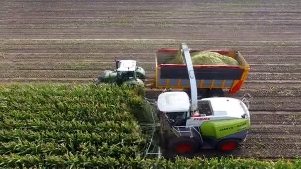 Zemědělské stroje řezací kukuřice