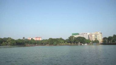 Kandawgyi lake, skyline